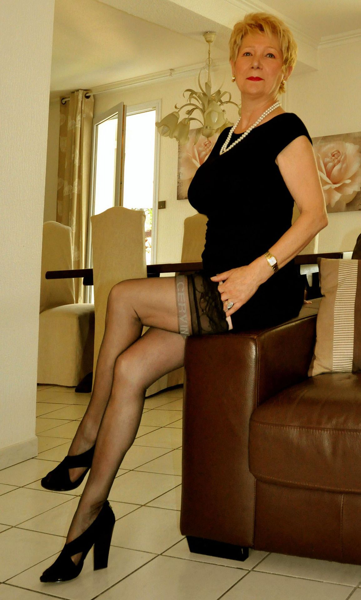 local cougar dating